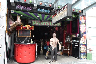 Draculas Haunted House Surfers Paradise
