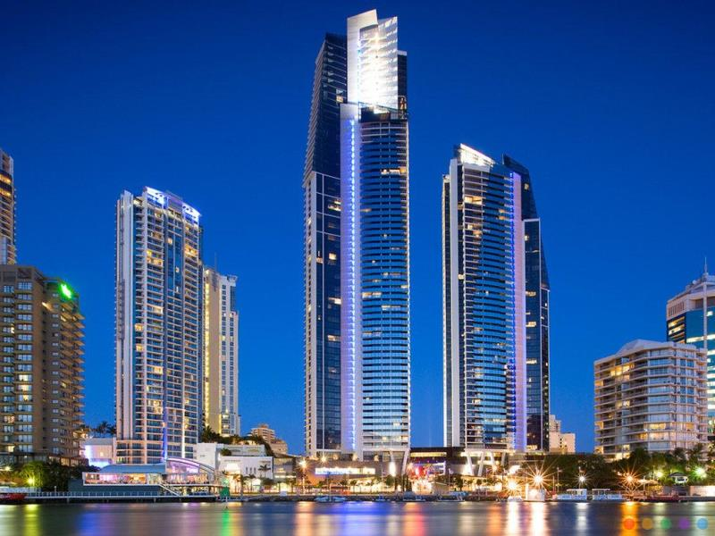 Mantra Circle on Cavill 4* Hotel Surfers Paradise Gold Coast